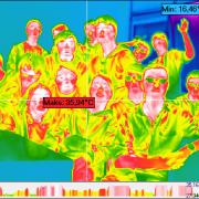 zdjęcie klasowe w kamerze termograficznej