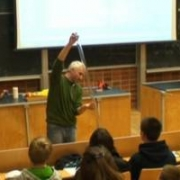 Grawitacja - od jabłka Newtona do windy Einsteina